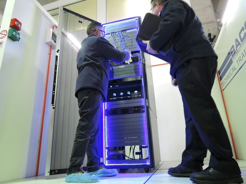 BAC live data centre - server rack cleaning