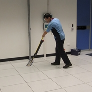 Data centre above-floor clean with mop