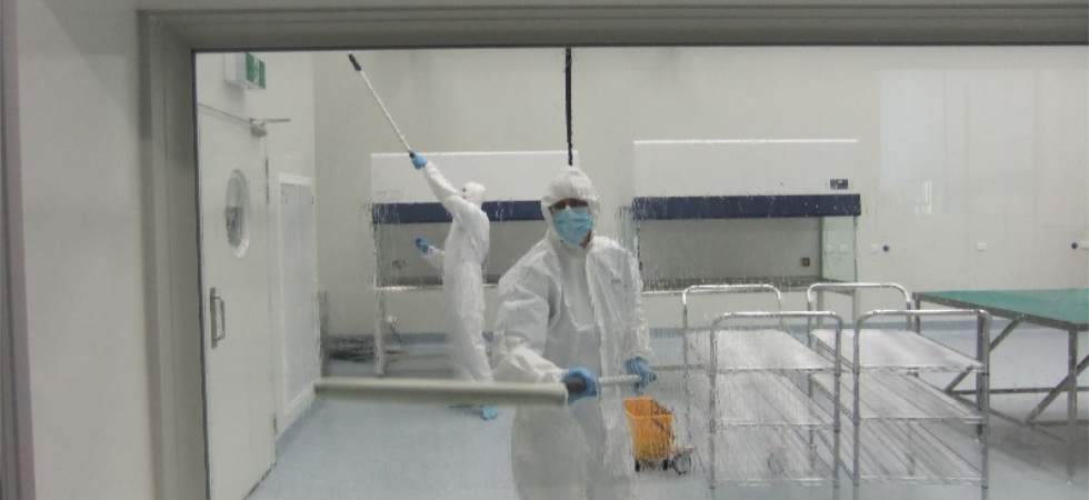 Cleanroom cleaning
